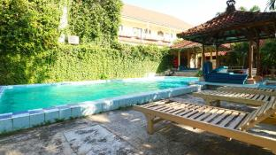 Hotel Ayu Beach Inn