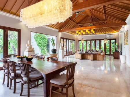 Tampilan interior The Akasha Luxury Villas and Boutique Hotel