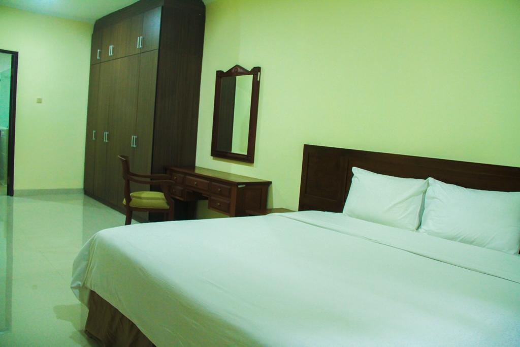 Country woods jakarta in tangerang room deals photos & reviews