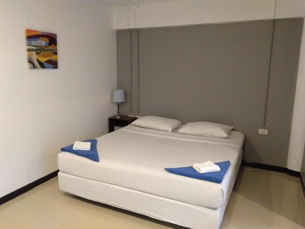 Standard Double - Bed Phi Phi Inn