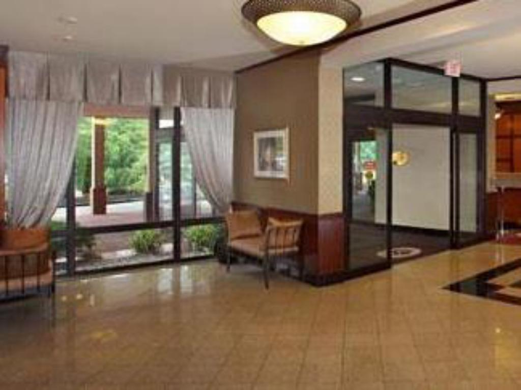 Lobby Wyndham Philadelphia - Mount Laurel