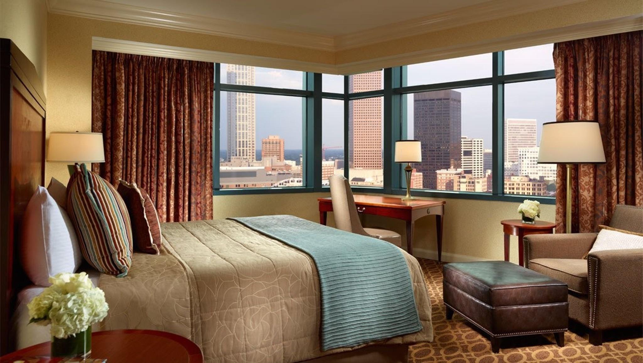 Excellent Omni Atlanta Hotel At Cnn Center In Atlanta Ga Room Home Interior And Landscaping Analalmasignezvosmurscom