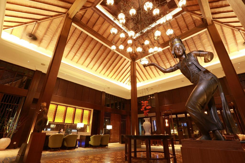 Lobby El Royale Hotel and Resort Banyuwangi