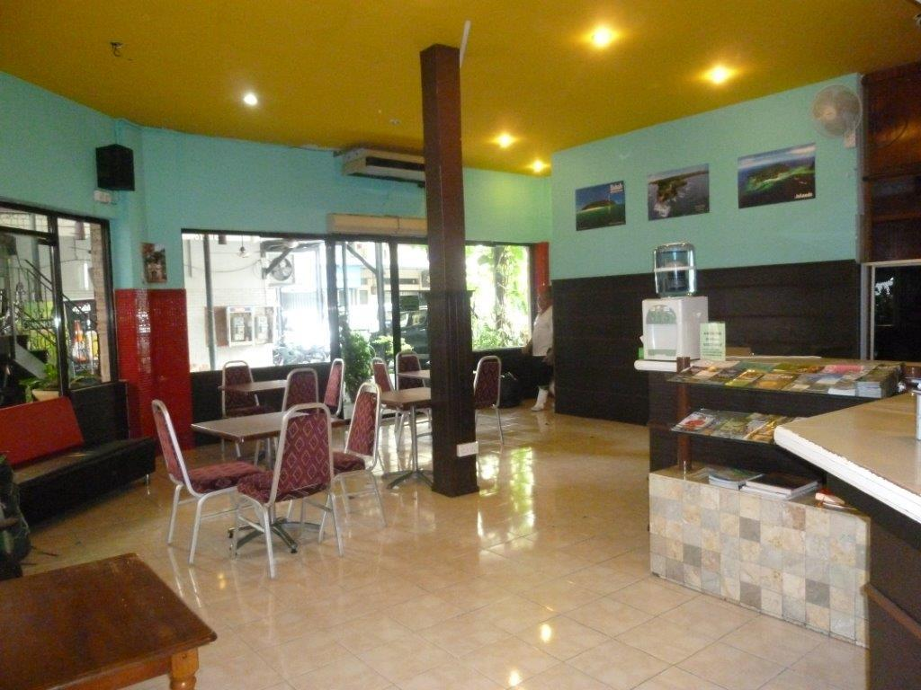 Interior view D'Beach Street Lodge