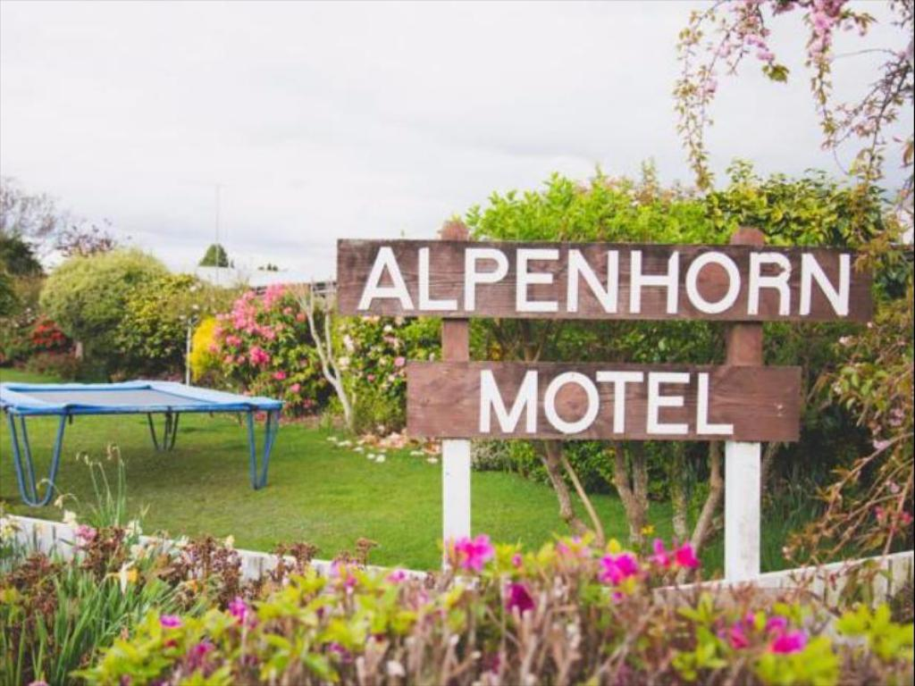 More about Alpenhorn Motel
