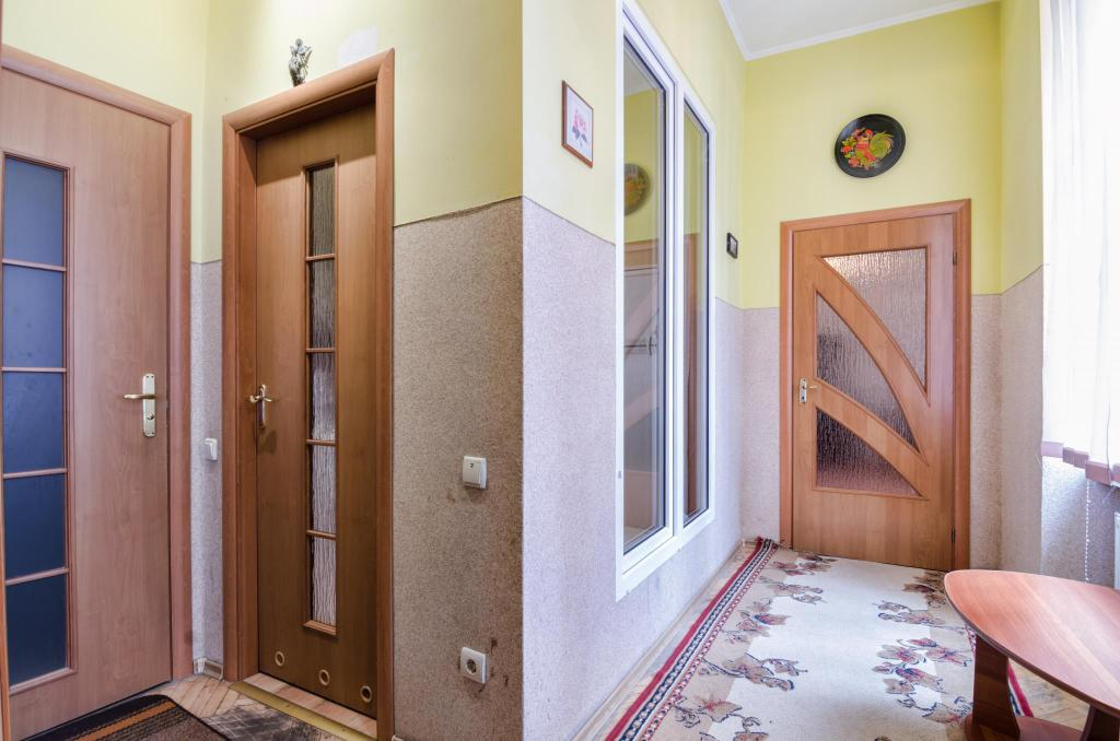 Hal/gang/trap One Bedroom Apartment on  St. Teodora sqr.  3