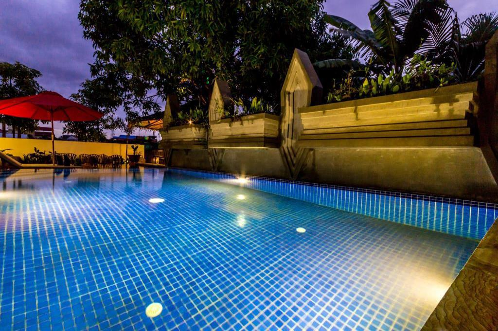 Pool Ravel Boutique Hotel