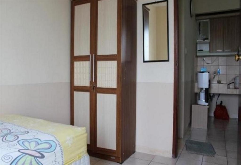 Interiér 2 BR Apartment Mediterania Gajah Mada - Room 8