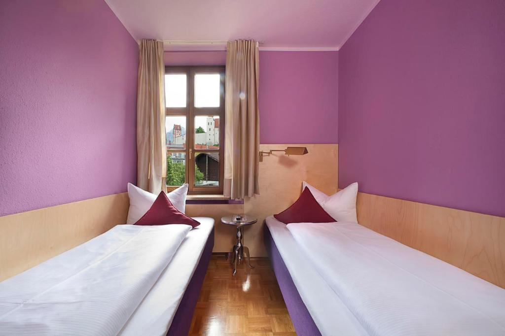 Classic Double Room - Guestroom Hotel Fantasia