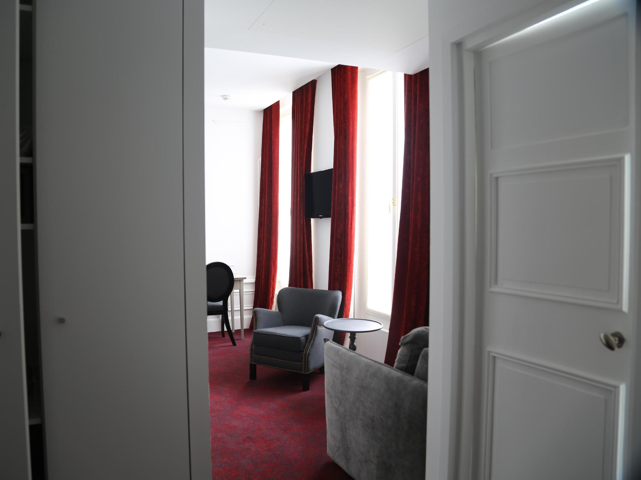 Best Price on Hotel Moliere in Paris Reviews
