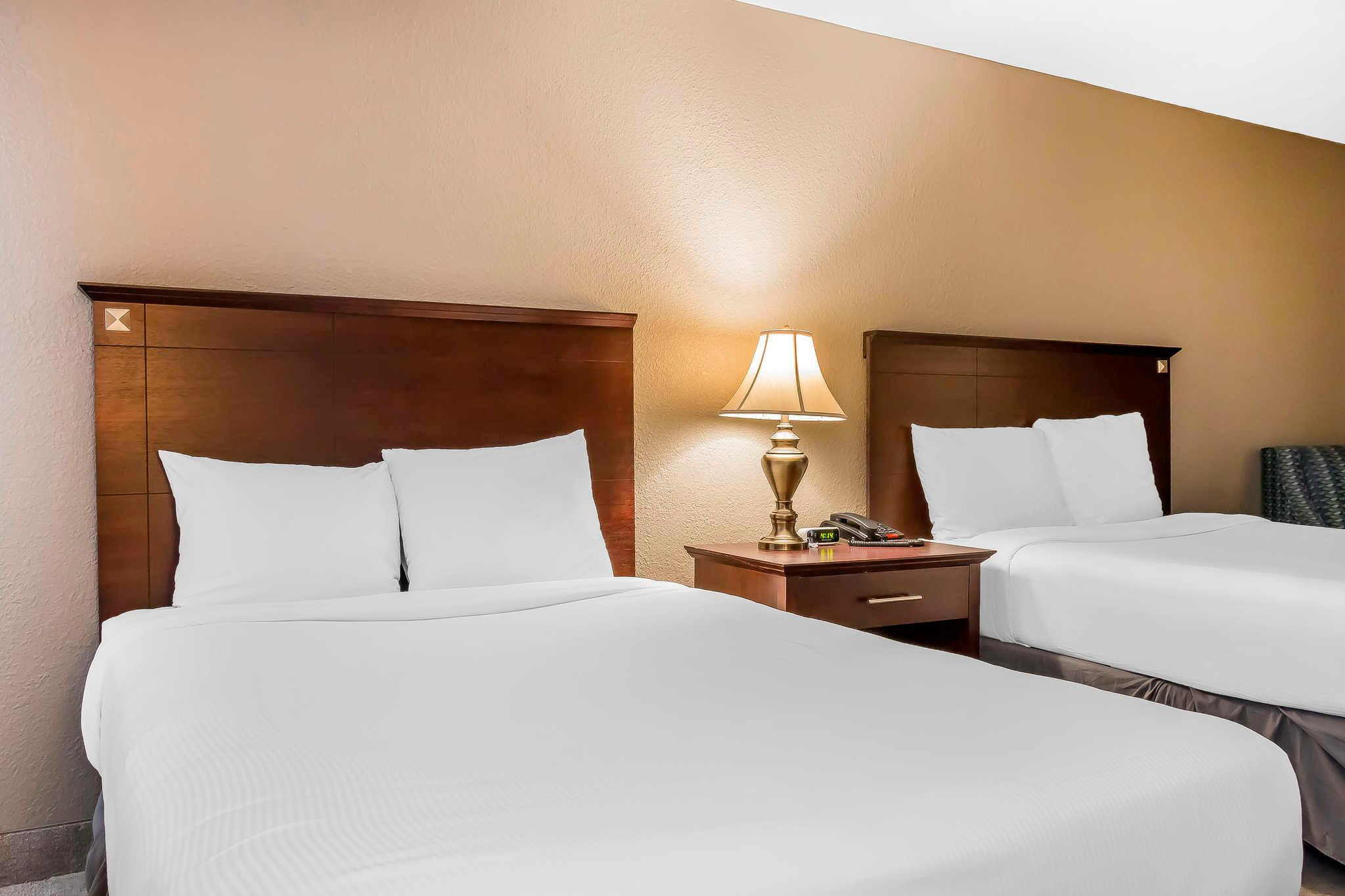 2 Double Beds Accessible   Guestroom Grand Hilton Head Inn, An Ascend Hotel  Collection Member