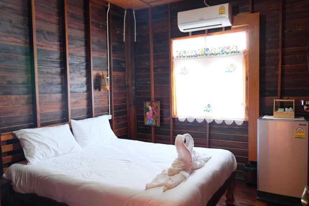 Studio Room - Bed Baan Kun Tuad @Si Chang
