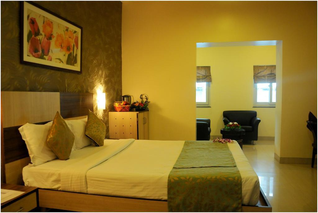 More about JK Rooms - Pune Railway Station Sangamvadi
