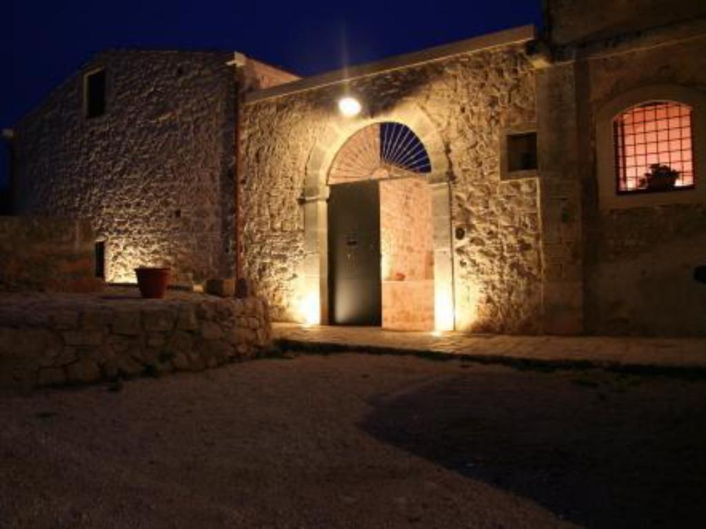 More about Casina Di Grotta Di Ferro