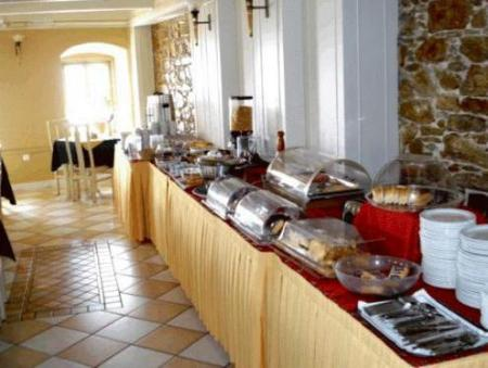 Buffet Diogenis Hotel