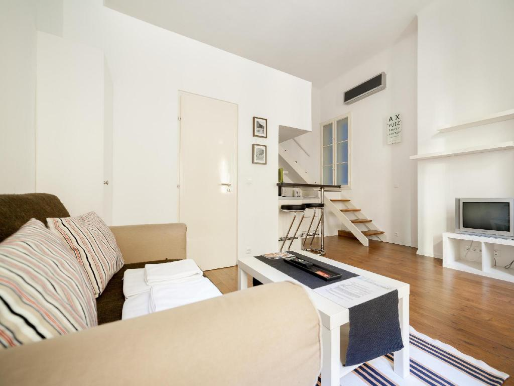 "Studio ""A"" - Guestroom Kadar Apartments"