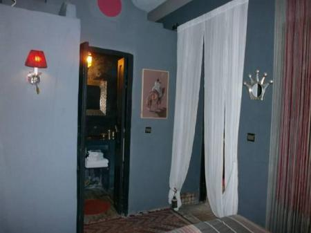 Gray Double Room Riad Alech