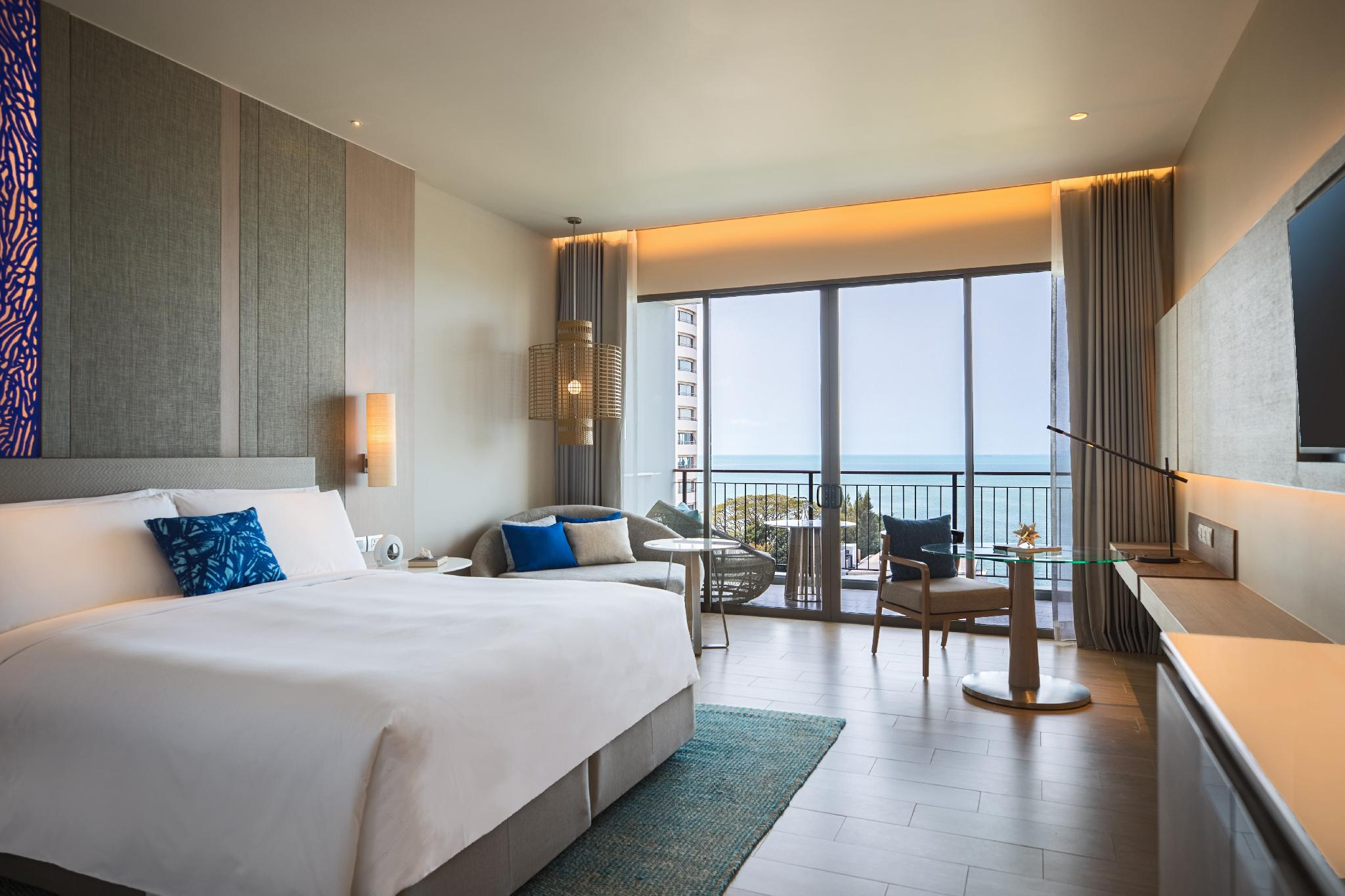 海景豪华房-带阳台 (Deluxe Balcony Seaview, Guest room, Ocean view, Balcony)