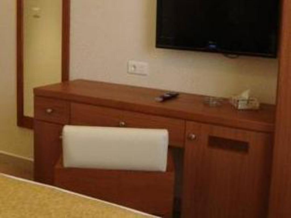 Single Room - TV Misk Hotel