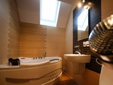 Suite amb Banyera d'Hidromassatge (Suite with Whirlpool)