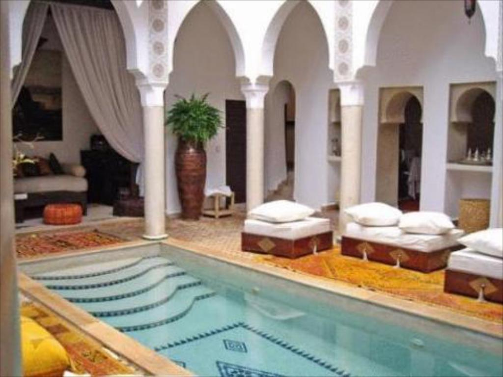 Swimming pool Riad Andalouse