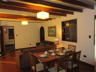 LIMA MIRAFLORES  DUPLEX  APT CLOSE TO EVERYTHING!