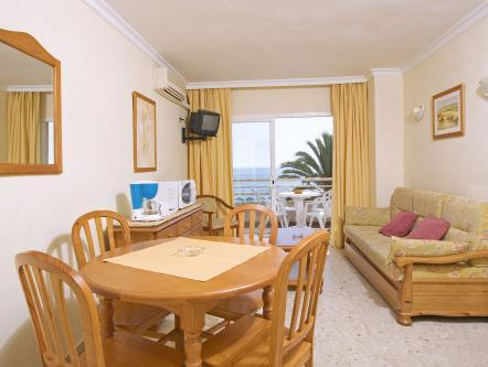 One-Bedroom Apartment with sea view (3 Adults + 1 Child)