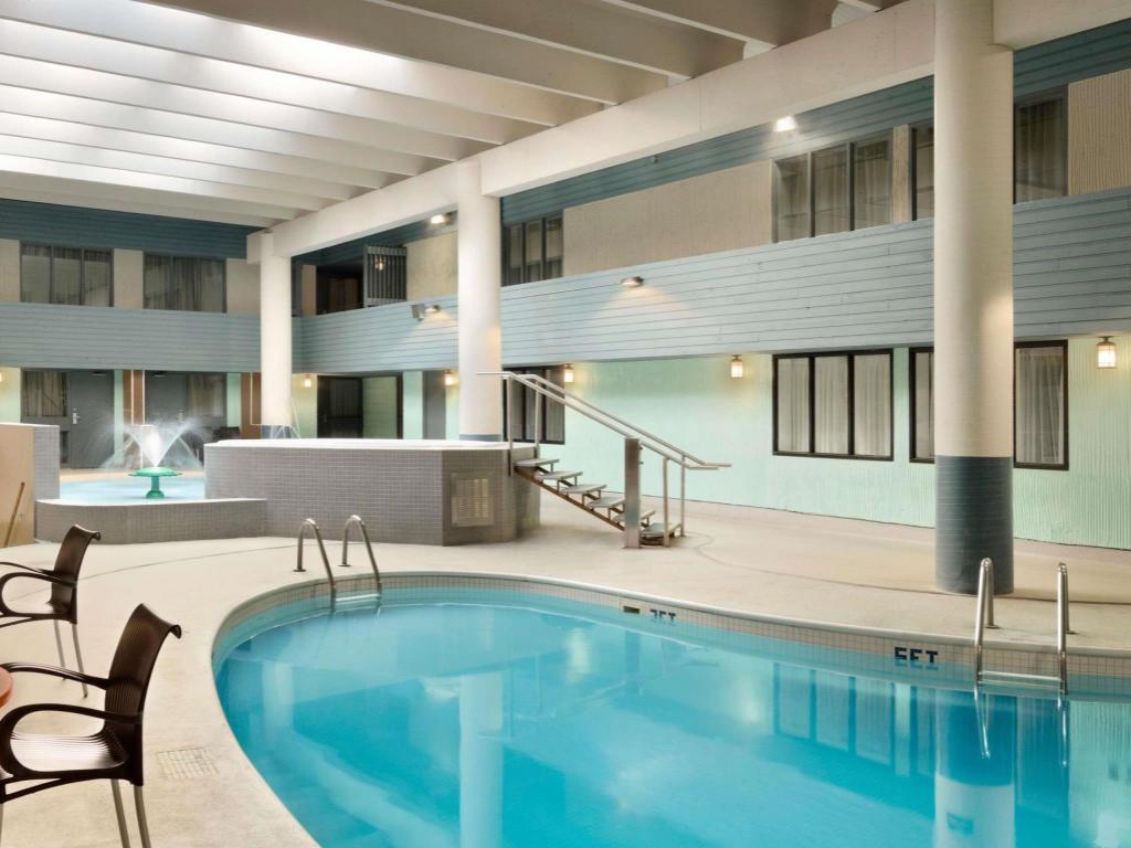 travelodge by wyndham saskatoon in saskatoon sk room deals