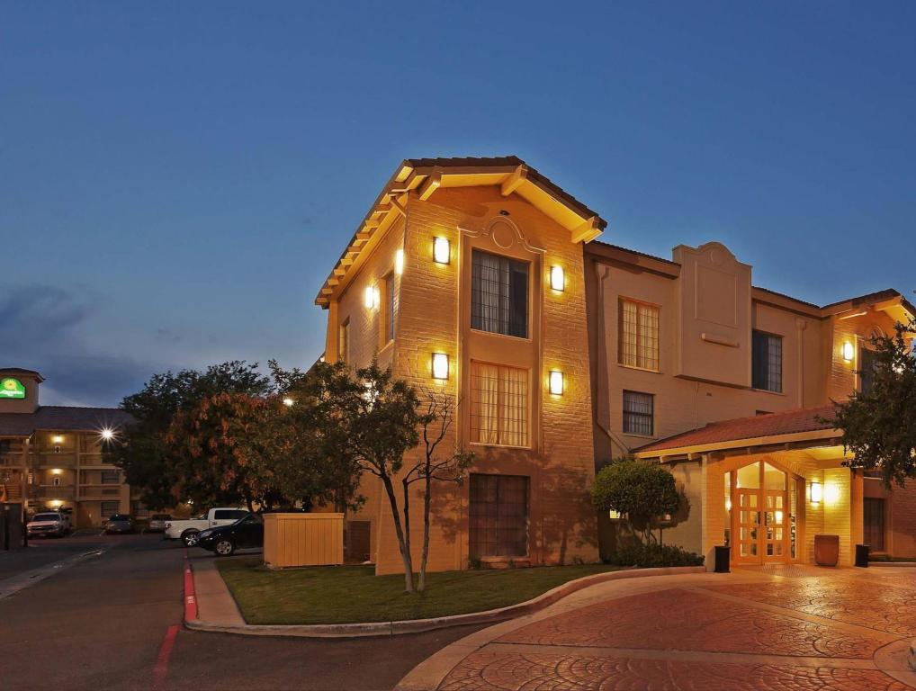 la quinta inn amarillo west medical center in amarillo tx. Black Bedroom Furniture Sets. Home Design Ideas