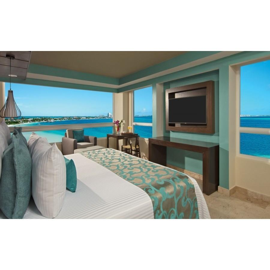 Preferred Ocean Front Corner Suite