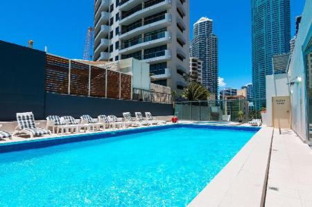 Swimming pool Beachcomber Resort Surfers Paradise