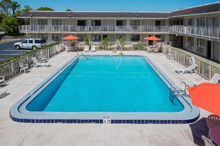 Swimming pool [outdoor] Rodeway Inn Kissimmee Maingate West