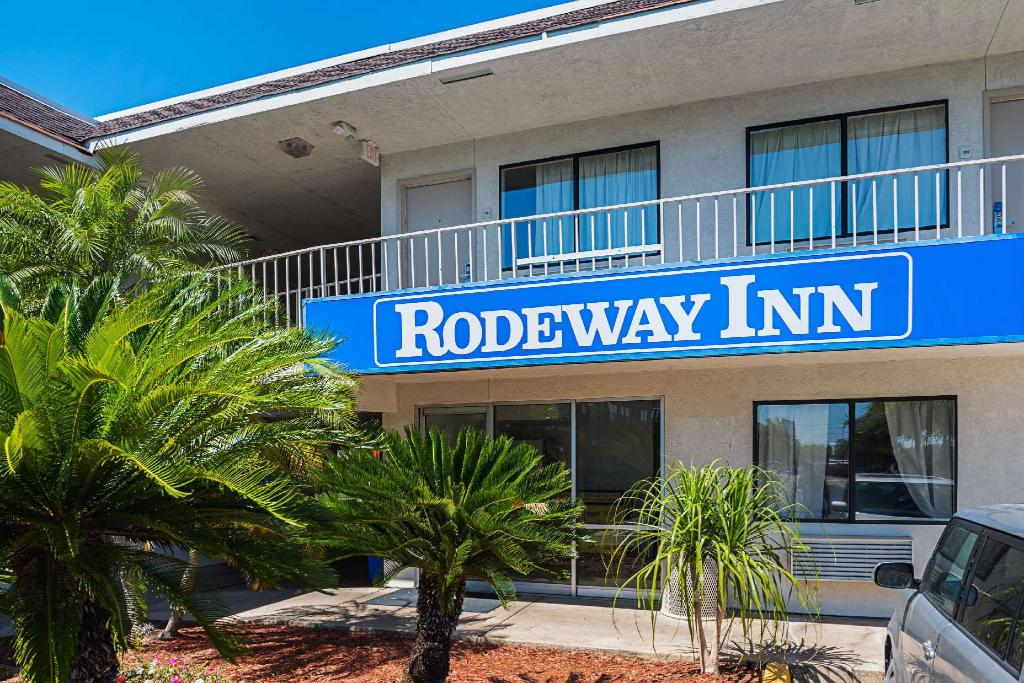 More about Rodeway Inn Kissimmee Maingate West