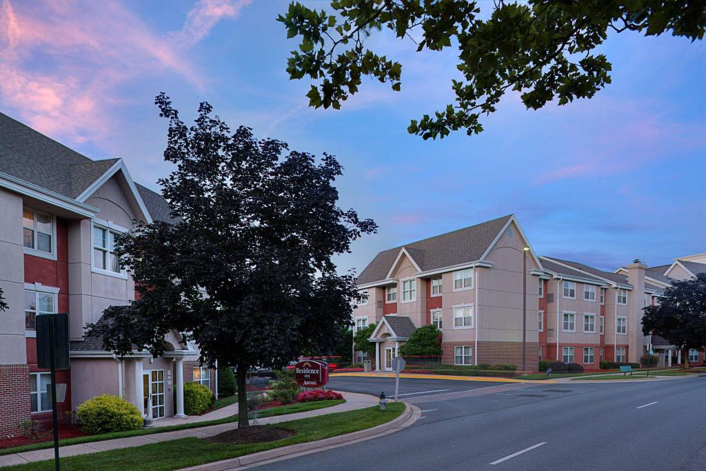 Vista Exterior Residence Inn Gaithersburg Washingtonian Center