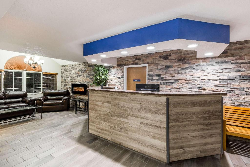 Foyer Microtel Inn & Suites by Wyndham Sioux Falls