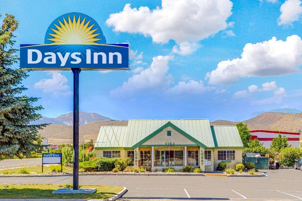 Exterior view Days Inn by Wyndham Carson City