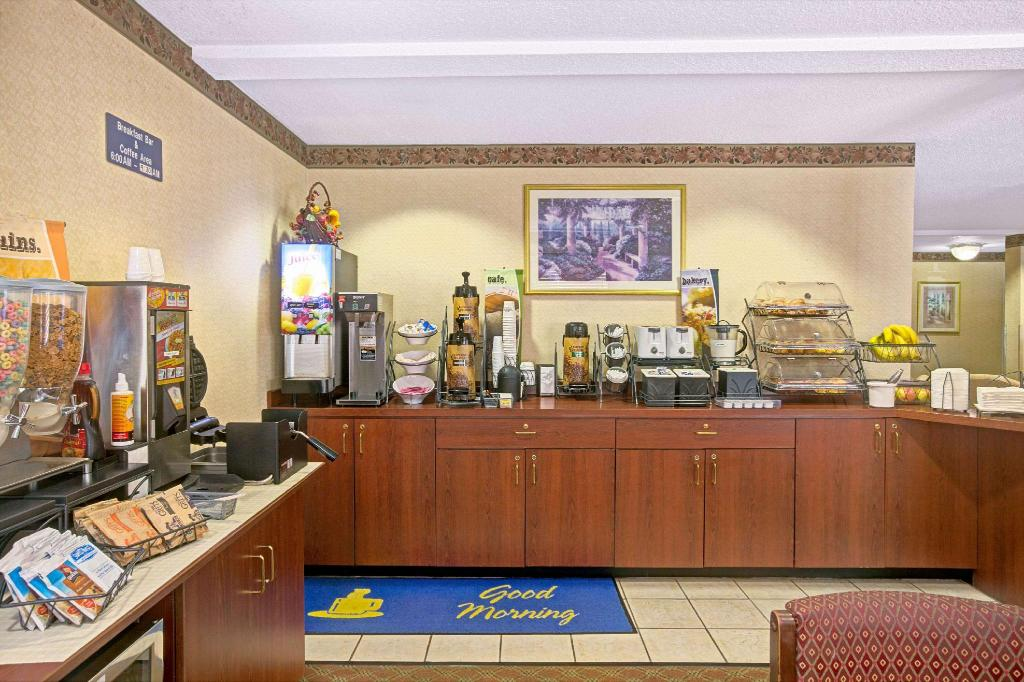 Előcsarnok Microtel Inn & Suites by Wyndham Burlington