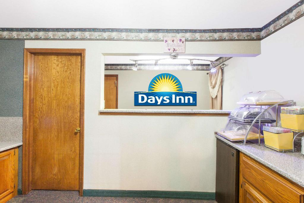 Lobi Days Inn by Wyndham Erick