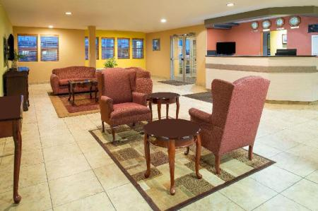 Фойє Days Inn & Suites by Wyndham Spokane Airport Airway Heights
