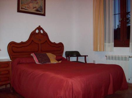 Double Room with shared bathroom room Pension Suecia