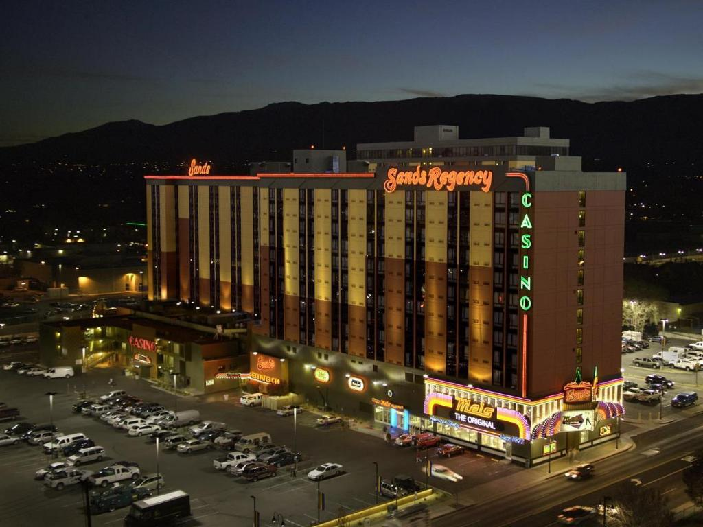 Sands Regency Casino Hotel Reno in Reno (NV) - Room Deals, Photos ...