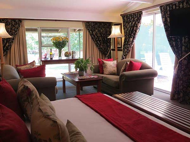 Guest room, 1 King or 2 Twin/Single Bed(s), Garden view