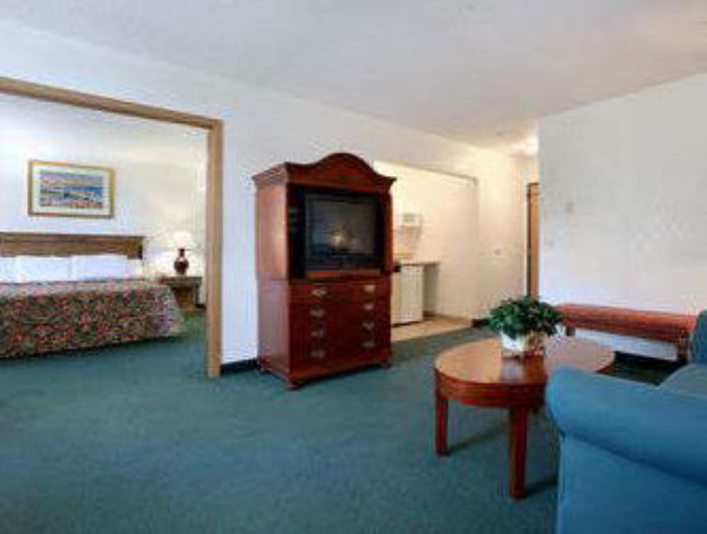 Vista interior Travelodge by Wyndham Waukegan Gurnee