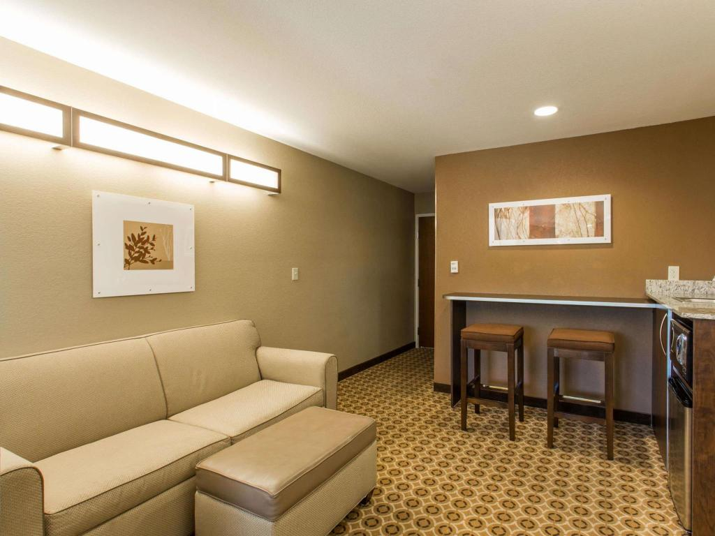 Интериор на хотела Microtel Inn & Suites by Wyndham Pearl River/Slidell