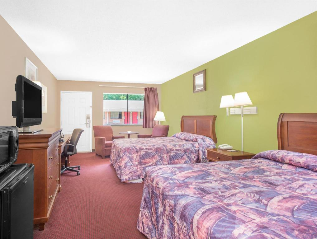 安尼斯顿牛津骑士汽车旅馆 (Knights Inn and Suites Anniston Oxford)