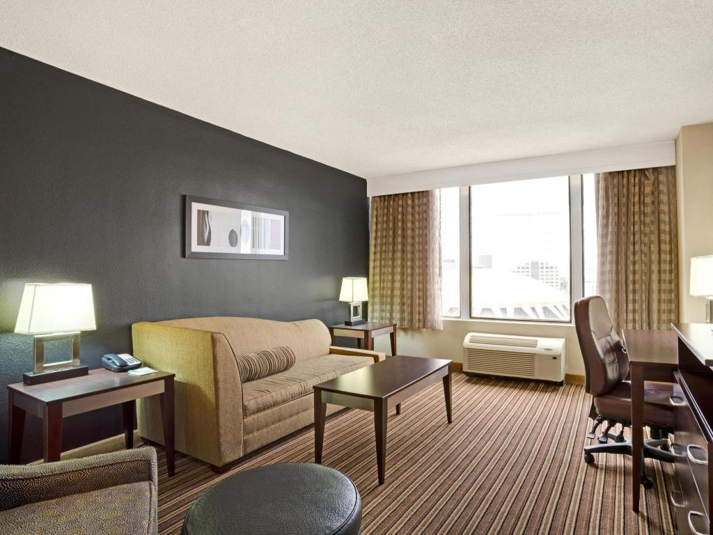 Interior view Wyndham Garden Norfolk Downtown