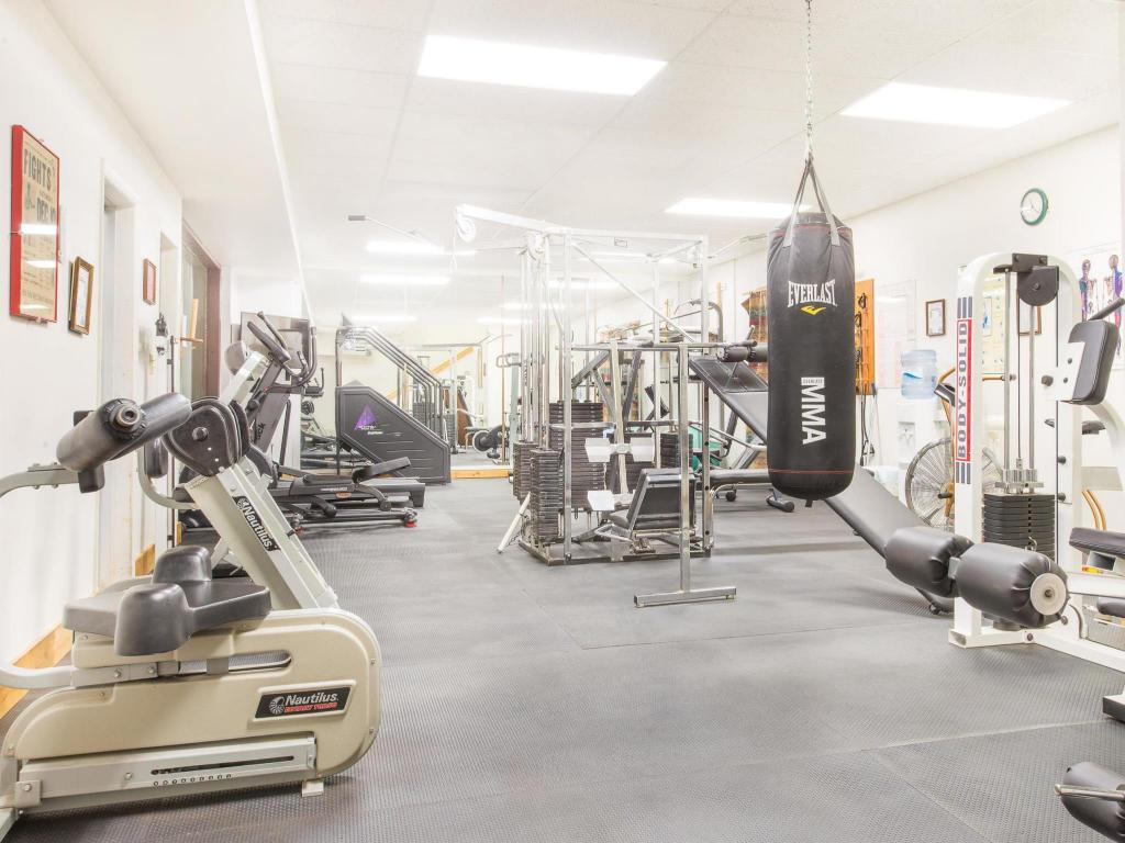 Fitness center Days Inn by Wyndham Thermopolis