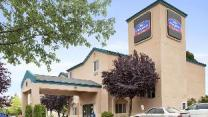 Howard Johnson Hotel & Suites by Wyndham Vancouver