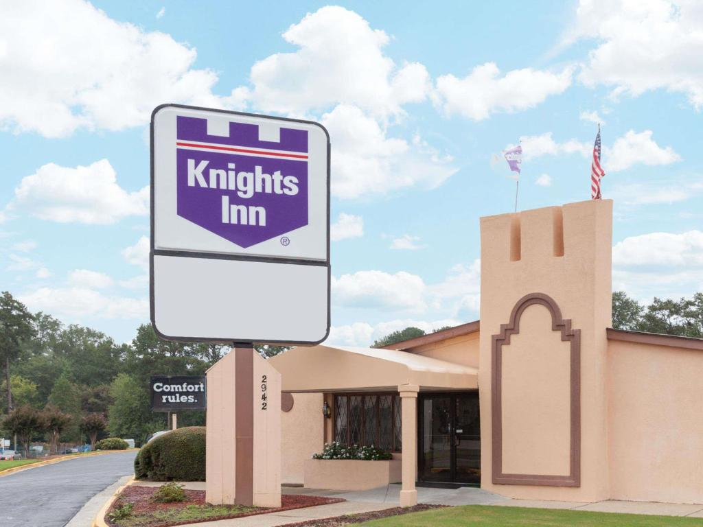 Knights Inn Atlanta East