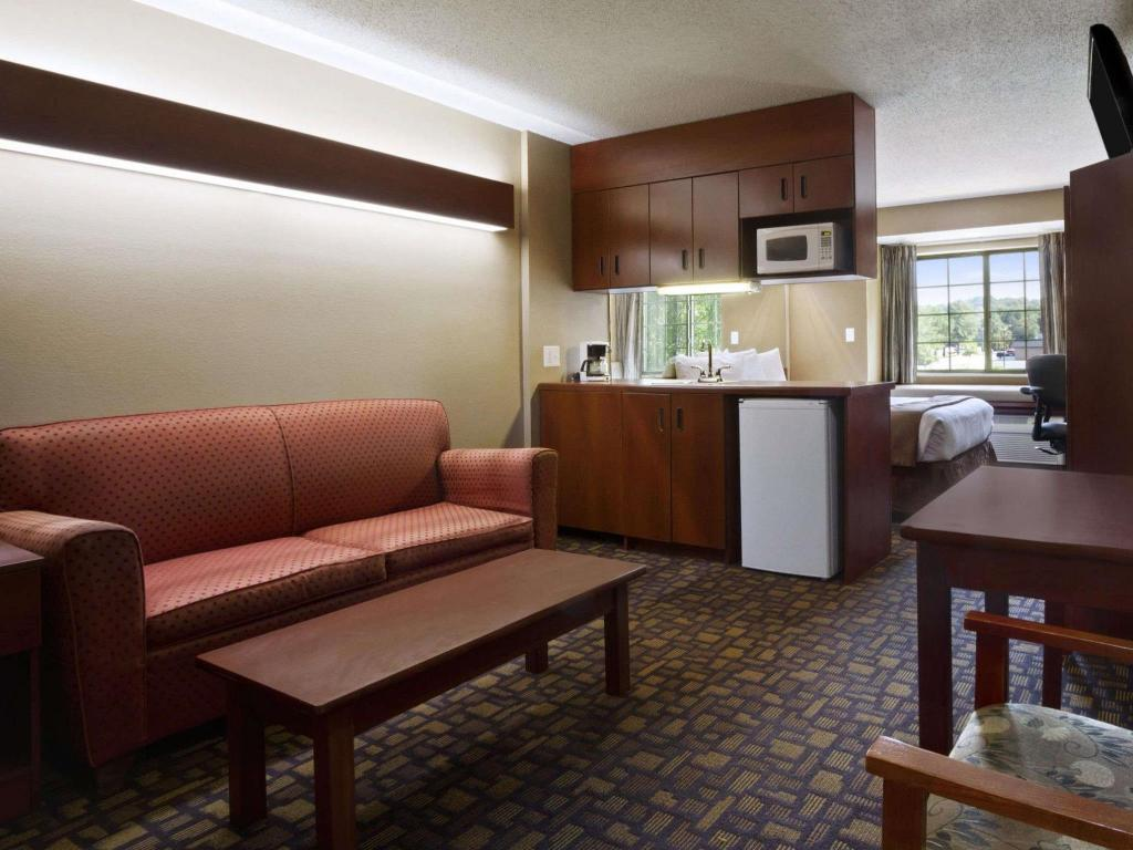 Tampilan interior Microtel Inn & Suites by Wyndham Lithonia/Stone Mountain
